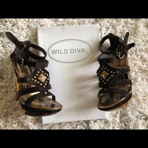 New in box! Wild Diva brown and gold stilettos